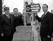 Mustafa Güzelgöz adı verilen sokak.