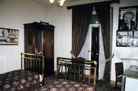 "Agatha Christie, ""Orient Express'te Cinayet"" romanını Pera Palas'ta yazar."