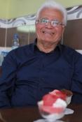 Sabri Usta, Büyükdere Dondurmacısı'nı oğulları Kemal ve İsmail Elmas ile birlikte ayakta tutmaya devam ediyor...