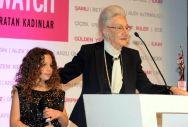 Yaşam Boyu Başarı Ödülü'ne layık görülen Betül Mardin'in ödülünü torunu Alya Dormen'den aldı.