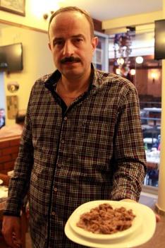 Tarihi Kalkanoğlu Pilavcısı'nın işletmecisi: Hüseyin Rüştü Kalkanoğlu
