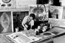 """Bedri Rahmi Eyüboğlu: """"Benim resmi seçmeme sebep olan, lise hayatımın korkunç derecede ıstıraplı geçmesidir. Ben eğer ressam olduysam liseden kurtulmak için oldum. O kadar kötü, o kadar acı bir lise hayatı yaşadım ki, bu beni kendime kıymaya kadar götürebilirdi."""" Ama bu olay kendine kıymaya değil, İstanbul'a götürdü onu."""
