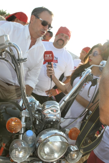 """""""Motosiklet Festivali Cunda Adasında yapıldı. Hatta en uzun Motosiklet konvoyu ile Guinness rekorlar kitabına da girdik."""""""