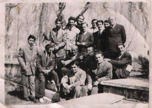 Âşık Veysel'in Köy Enstitülerinde saz hocalığı yaptığı dönemler 1948