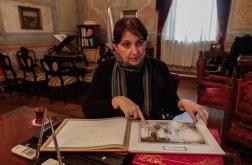 Dr. Aylin Çiftçi Darüleceze'ye ilişkin tarihi kaynakları MarmaraLife okurları için gösterdi.
